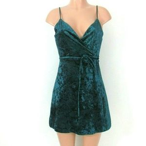 NWT Lulus Green Crushed Velvet Wrap Dress Small